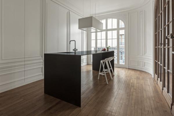 Лаконичный дизайн кухни от i29 interior architects.