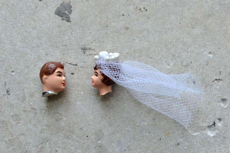 Нарочно не напишешь: из протоколов судебных заседаний по разводам...