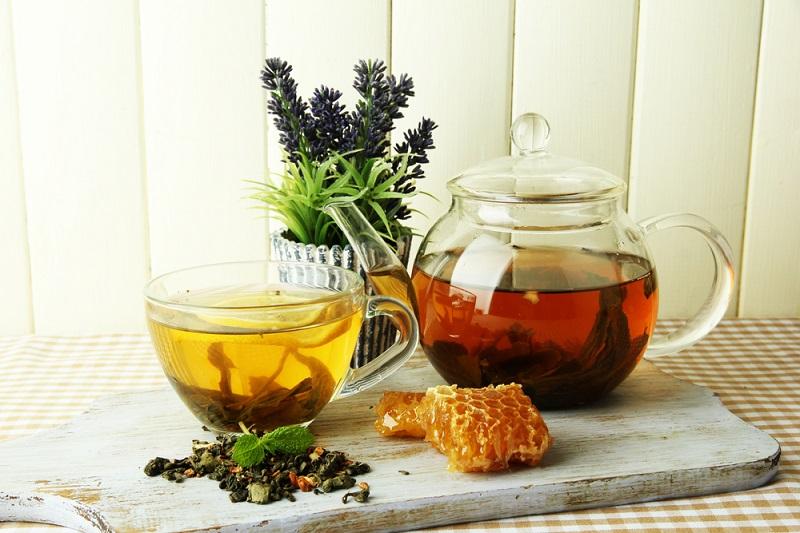 польза воды с медом утром