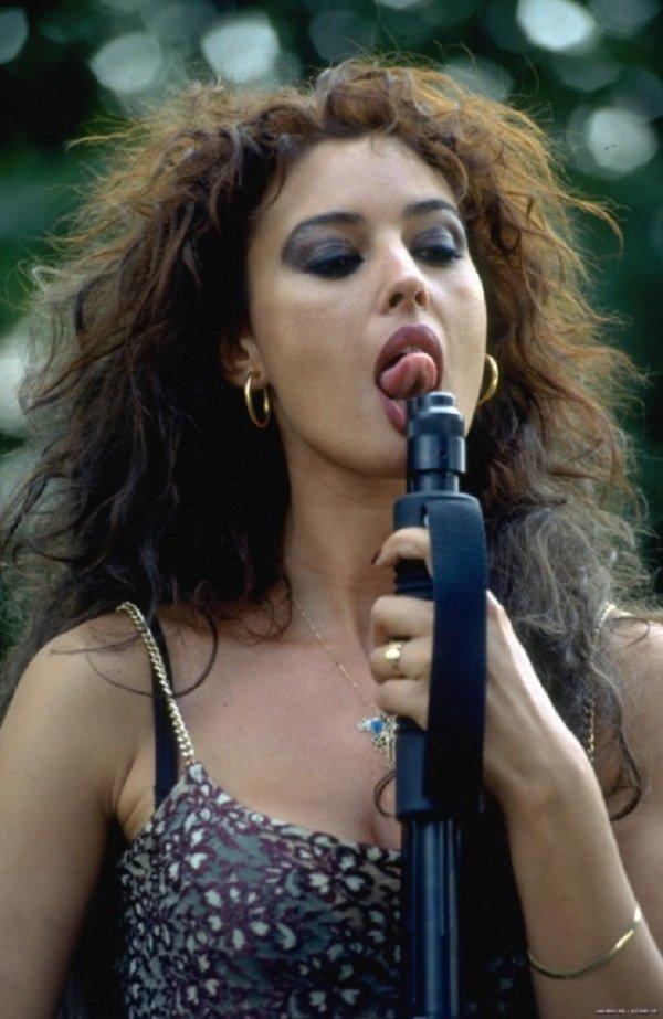 Monica Bellucci- Доберман история, люди, мир, фото