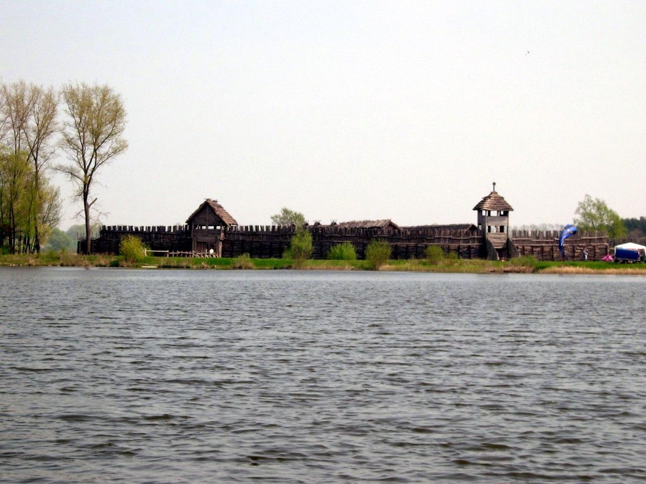 Бискупинское городище