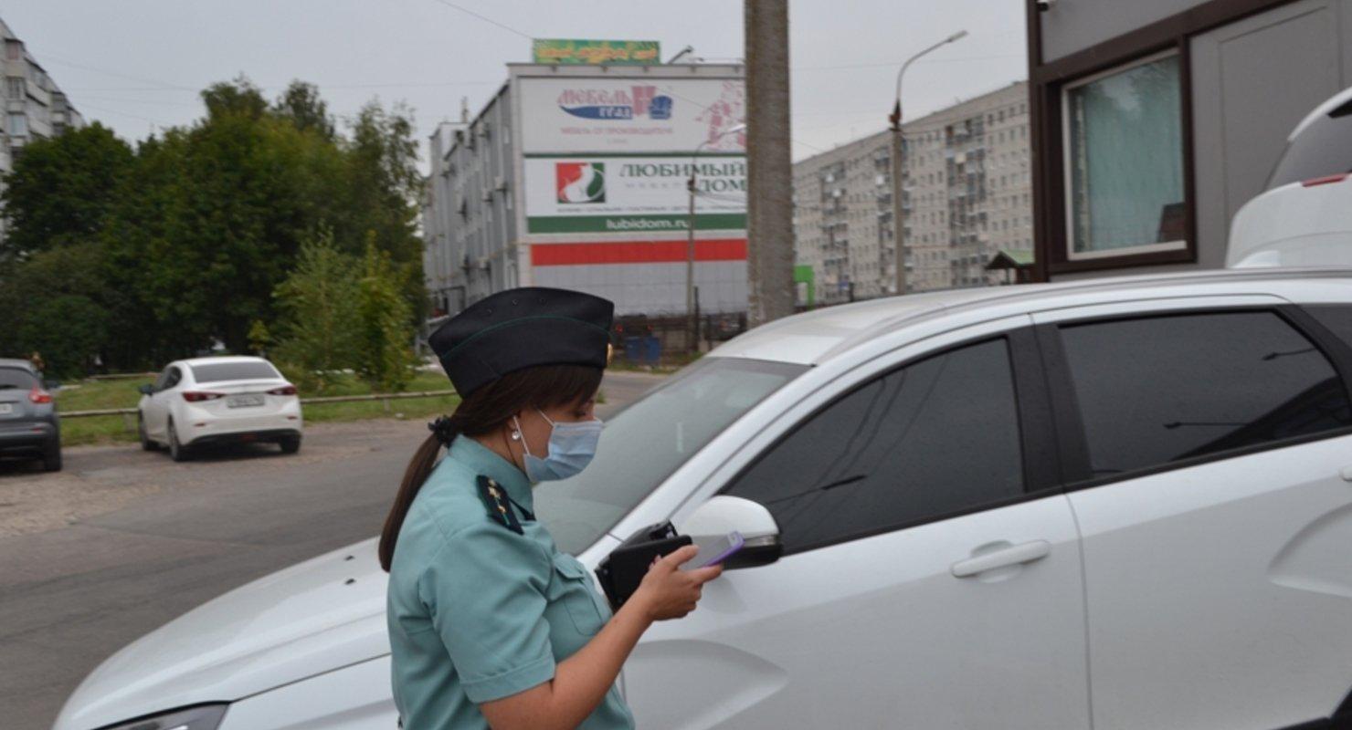 Водителей будут лишать прав за долги свыше 10 тысяч рублей Автомобили