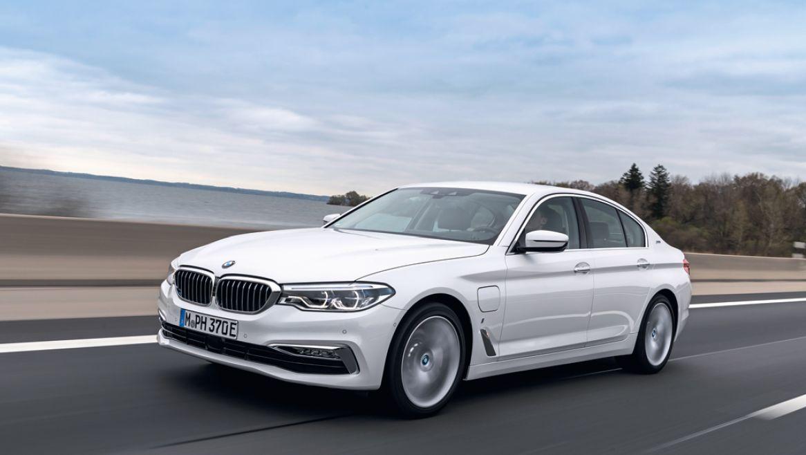 Большой автомобиль — другие правила: гибрид BMW 530 уже с первых километров оказывается экономичнее бензиновых собратьев