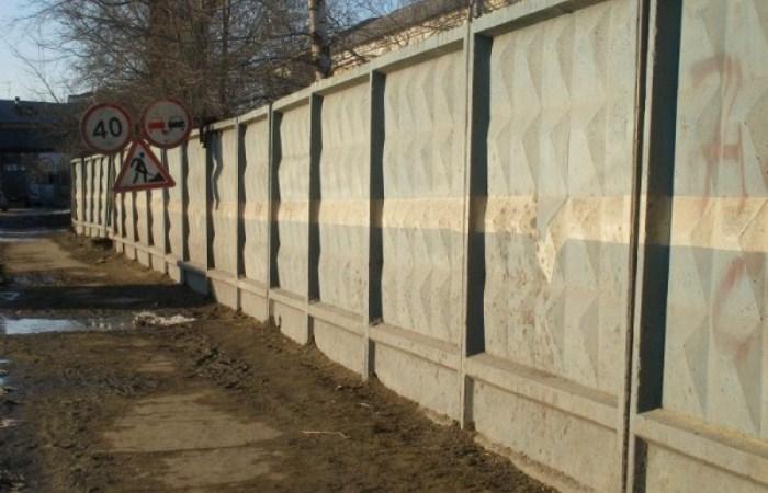 Кто придумал «тот самый» забор с ромбиками, и почему это ограждение так популярно в России