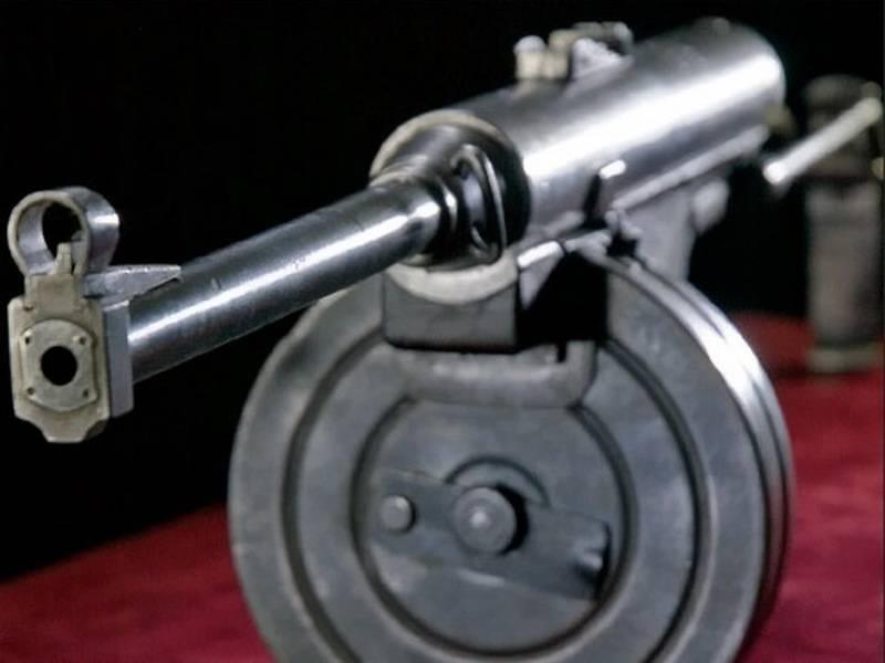 Партизанский пистолет-пулемёт В.Н. Долганова