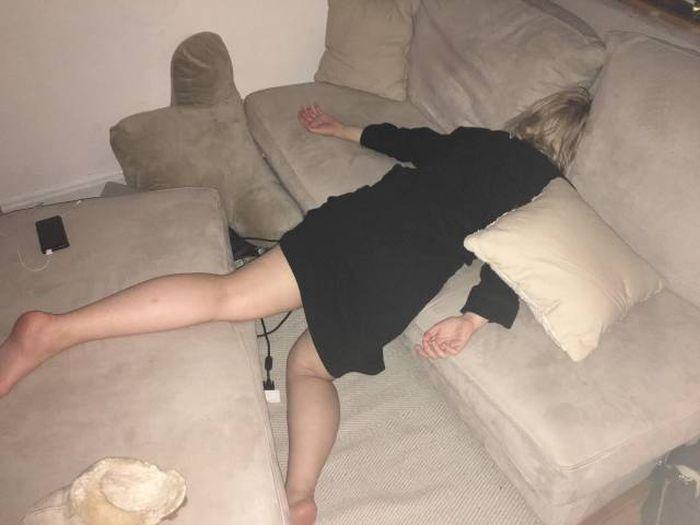 Женщина спит прикольные картинки, поздравления февраля мужчинам