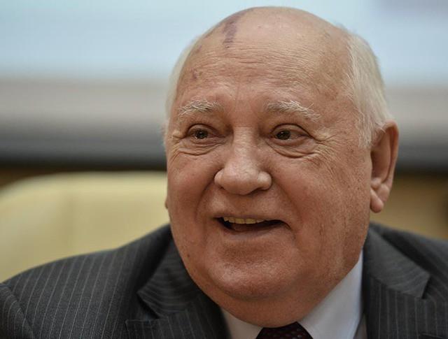 """Горбачев заговорил о """"российских каталониях"""" вместо комментария об Испании"""