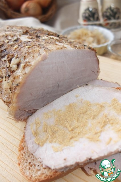 Мясо запеченое на луке