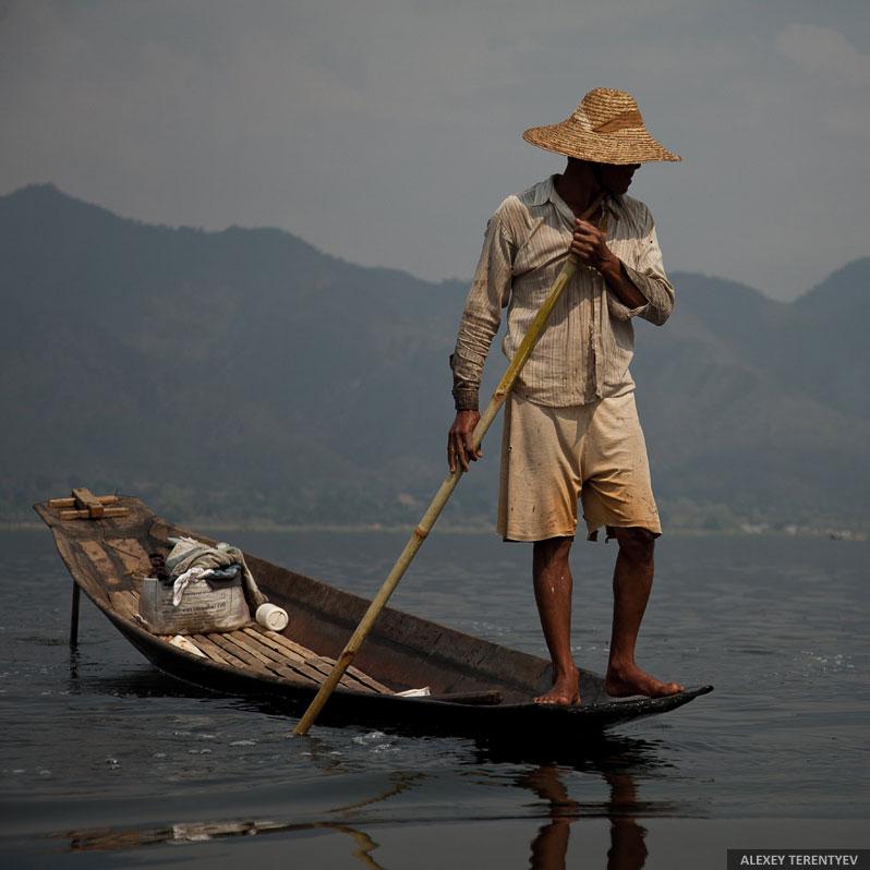 Смотреть видео Рыбалка в Азии на v4k.online бесплатно