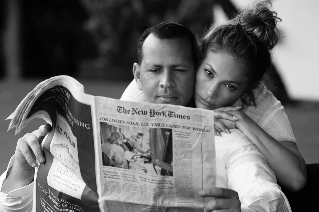 """""""Важно обнять тех, кого любите"""": Дженнифер Лопес опубликовала нежный снимок с Алексом Родригесом"""
