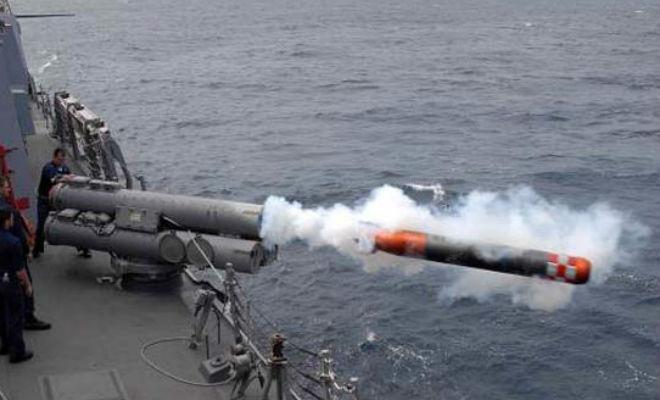 Как торпеда против подлодок поражает цель
