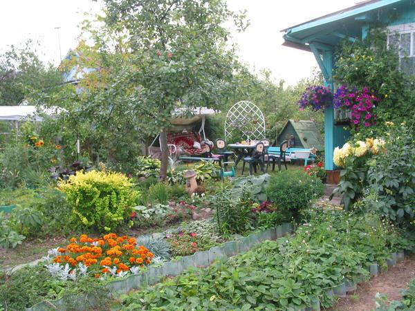 Русский сад - дизайнерский и самодеятельный