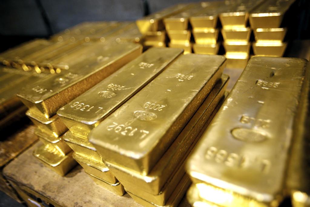 Маразм крепчал: Киев требует от России 33 вагона золота за Донбасс