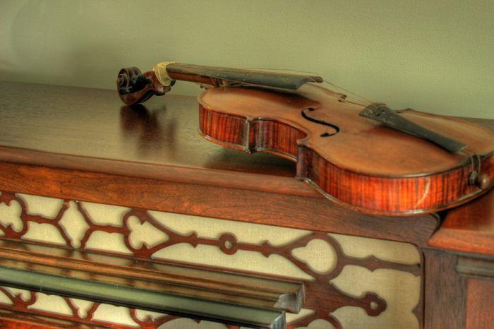 Скрипки итальянского мастера ценятся по всему миру. /Фото: life.ru.