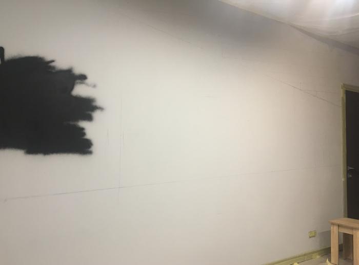 Оформление стены: автомобиль Mitsubishi Lancer Evo.
