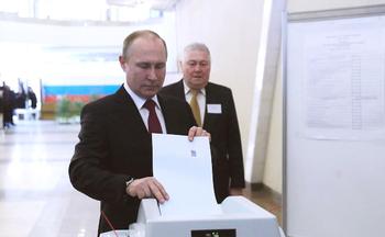 Данные экзит-поллов свидетельсвуют о том, что Путин выигрывает выборы в 1-м туре