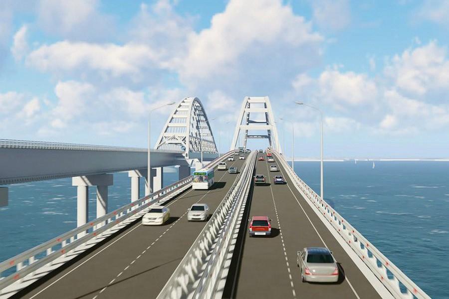 Крымский мост бесполезен: жа…