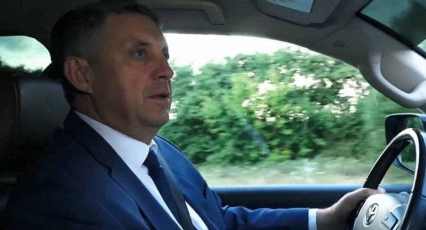 На стёкла для машин администрации Брянской области потратили 469 тысяч рублей Автомобили