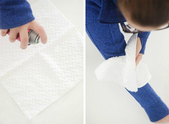Очистить одежу от шерсти.