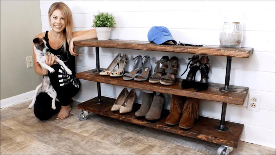 Эффектная полка для обуви из натурального дерева