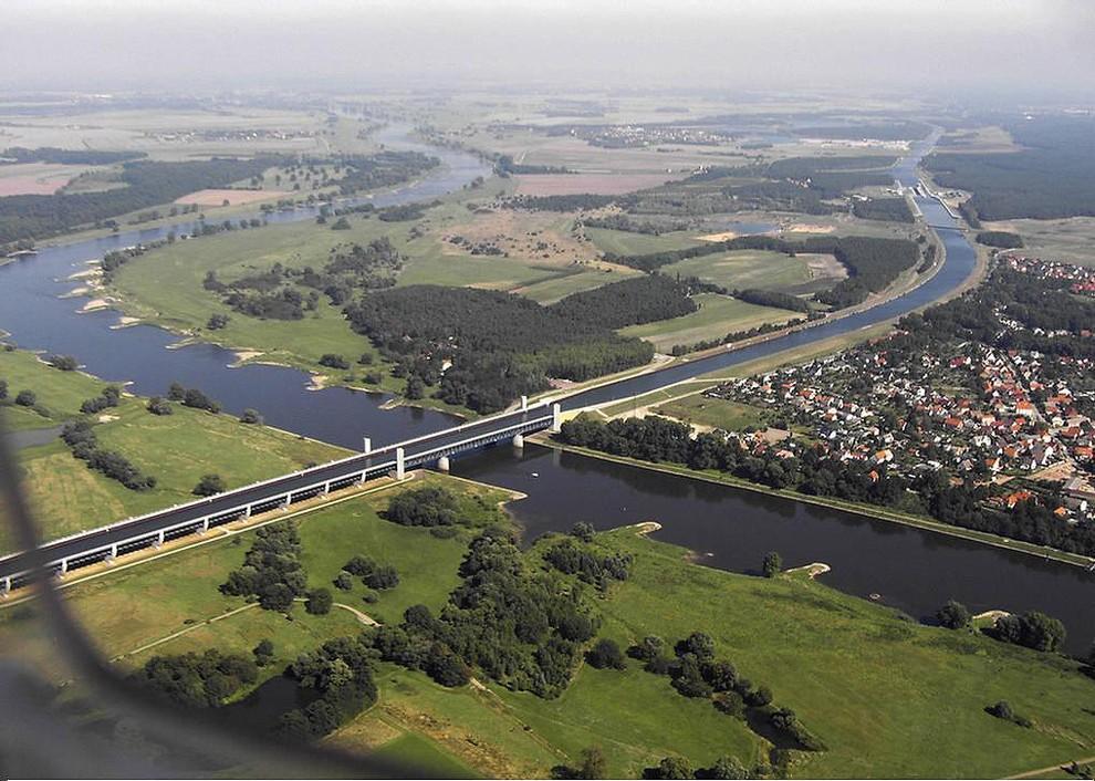 Удивительные водяные мосты мира