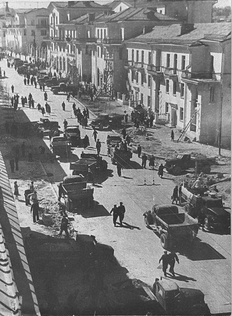 Восстановление разрушенного войной Севастополя, улица Большая Морская, 1950–е годы, СССР история, люди, мир, фото