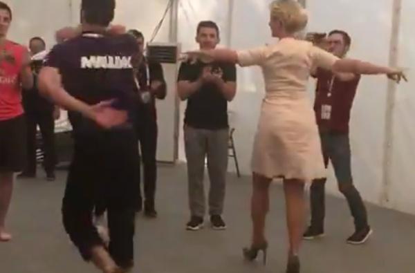 Захарова рассказала, где научилась танцевать лезгинку