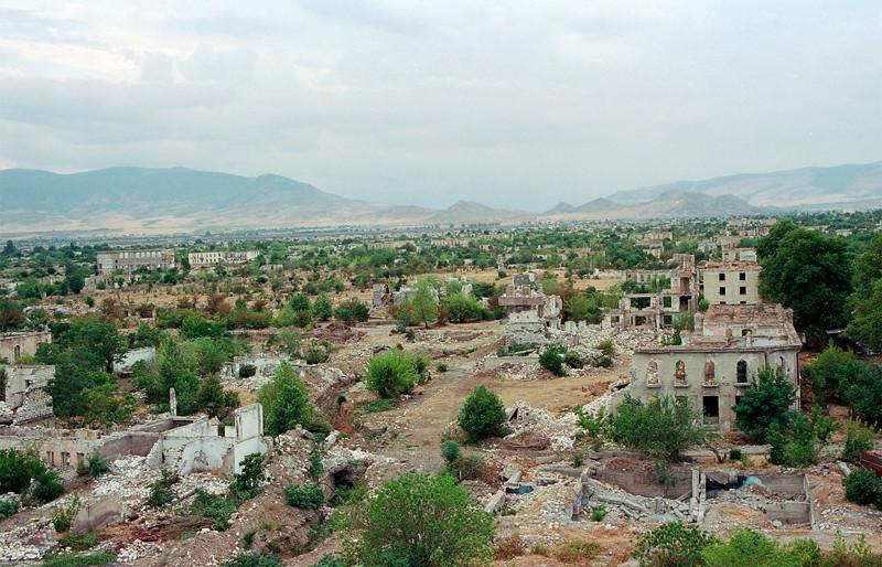 9. Разрушенный войной Агдам в Нагорном Карабахе города-призраки, заброшенные города, загадки, тайны, фото