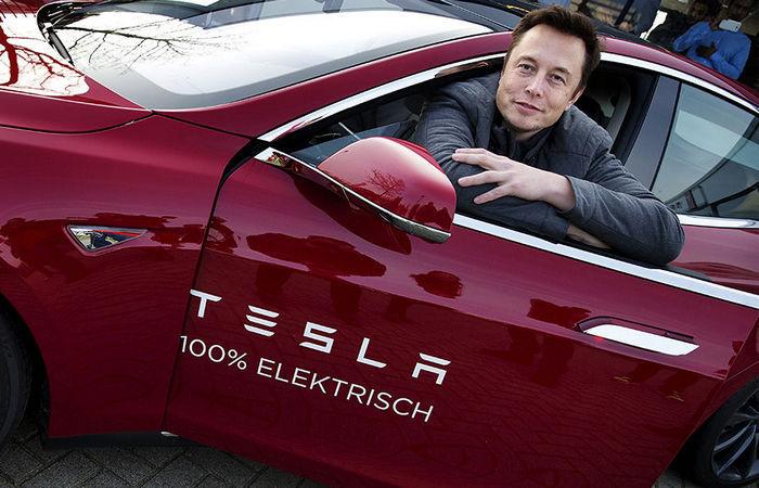 Автомобили из гаража Илона Маска