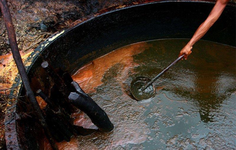Это моя скважина, и я ее дою: тонкости частной нефтедобычи по-индонезийски в мире, добыча, индонезия, люди, нефтедобыча, нефть, скважина
