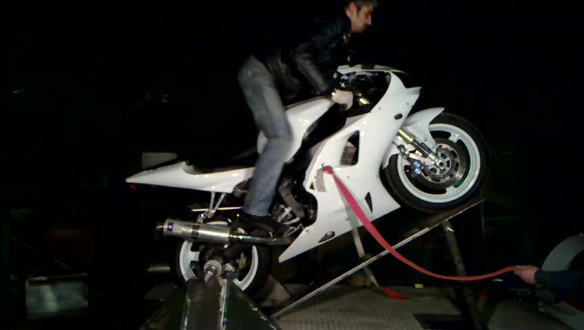 первая вилли машина в питере.тренажер для езды на заднем колесе мотоцикла.