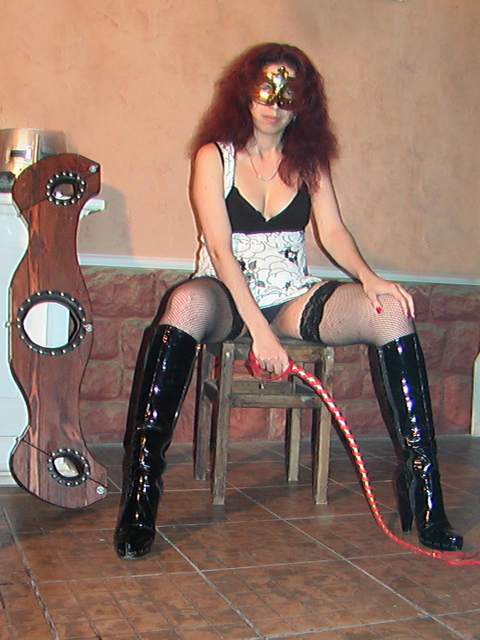 время, госпожа ищет раба томск красивая порно актриса