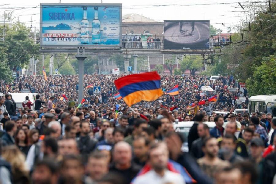 Что показывают события в Армении? Будет революция в России?