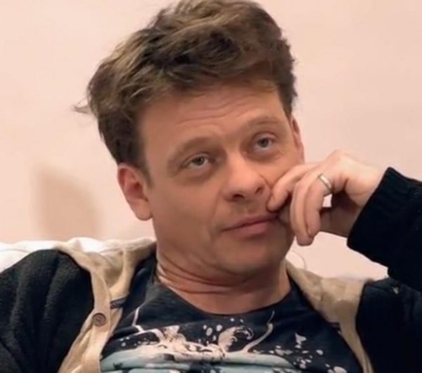 Актер Павел Майков увел жену…