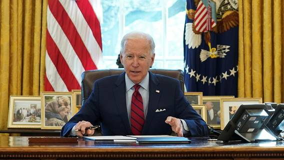 Джо Байден подписал указ об увеличении федеральной минимальной заработной платы платы, заработной, минимальной, повышение, заработную, плату, размере, вторник, поддержкой, демократы, умеренные, некоторые, республиканцы, Многие, холме, Капитолийском, повестки, достаточной, заручиться, приведет