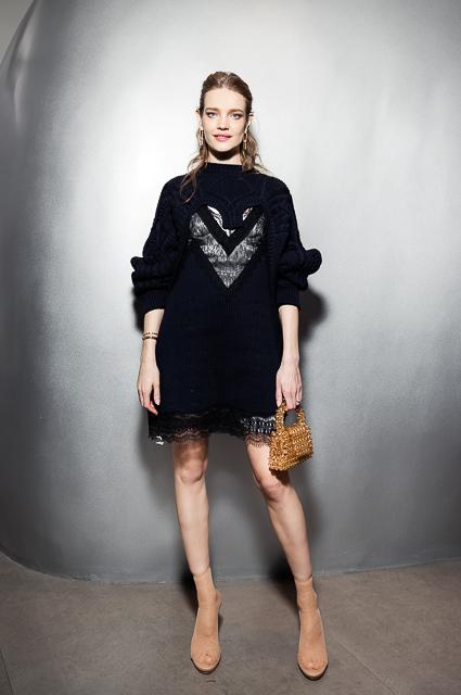 Корсеты, бисер, колорблок: 7 трендов, которые сейчас популярны в TikTok #50,clotheshaul,#designerhandbag,fashiontiktok,lewk,lookbook,#midsize,#midsizefashion,motelrocks,ootd,outfitideas,outfitinspo,#prettysunsetanddinner,#shopping,#staud,style,styleinspo,#tiktokfashion,zebra,Звездотренды