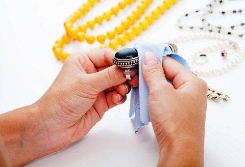 Чистка ювелирных изделий в домашних условиях подручными средствами домашний досуг,полезные советы,украшения,чистка