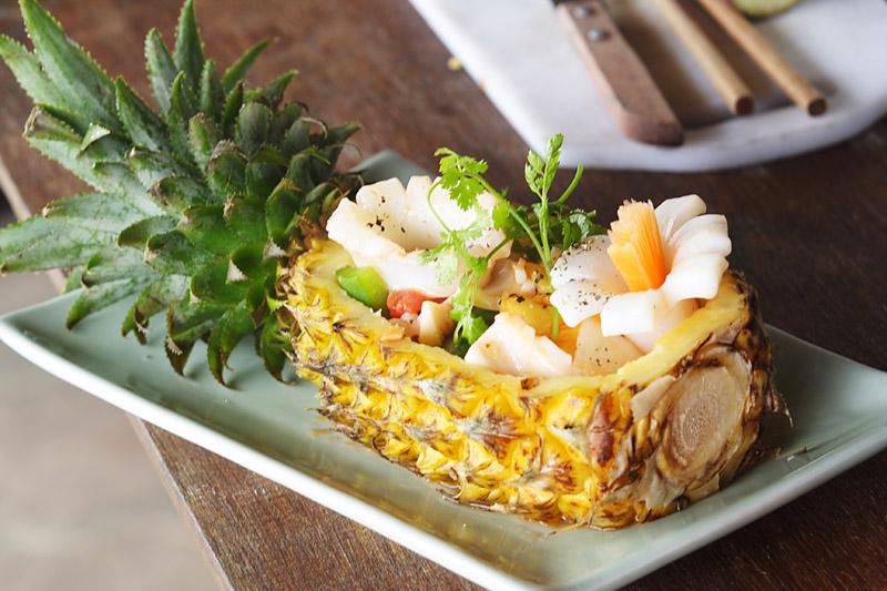 Мои любимые салаты с кальмаром и ананасами... 6 рецептов