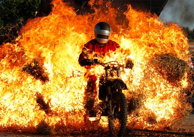 Огонь, вода и медны трубы: человек vs. стихии и законы природы