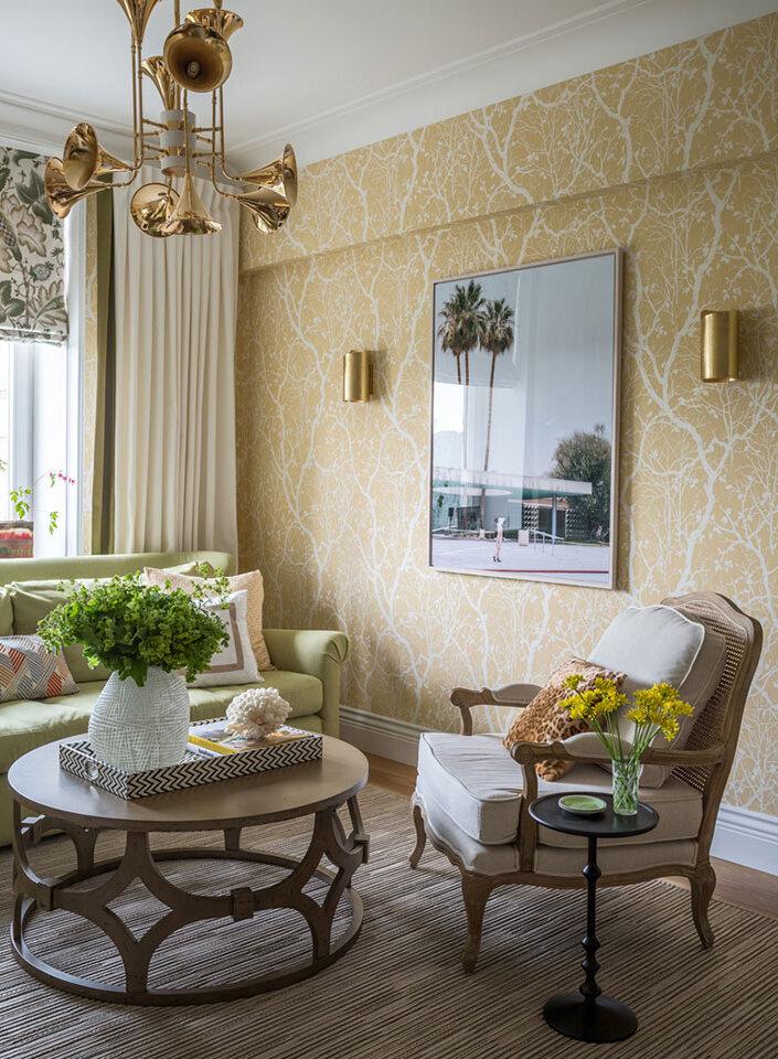 ЦВЕТОЧНЫЙ интерьер квартиры. Когда дизайнер-ЖЕНЩИНА идеи для дома,интерьер и дизайн
