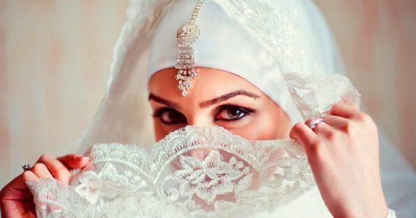 В ОАЭ на свадьбе сделали торт в форме невесты. А стоило это 1 миллион долларов!