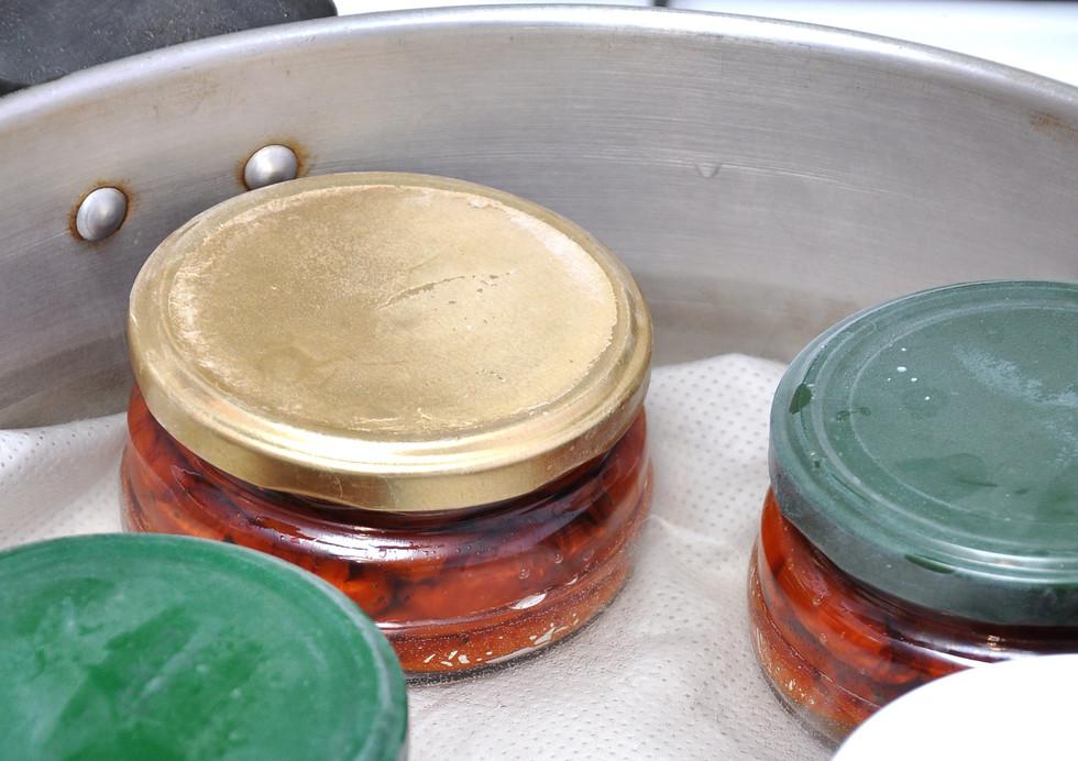 Заготавливаем средиземноморские деликатесы: вяленые томаты и сливы