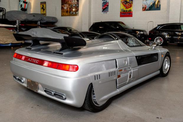 На аукцион выставлен необычный автомобиль с двумя раздельными кабинами Aztec, Italdesign, составляет, Наторги, «механикой», автомобильпродаютнацифровой, приводомНеобычный, передним, оснащена, Машина, лошадиных, и5ступенчатой, платформе, выдавать, способным, литра, объемом, двигателем, турбированным, аукционной