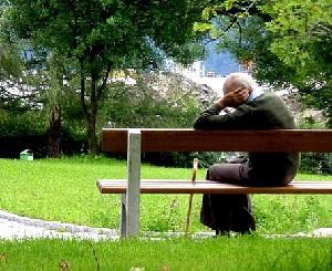 Такая неправильно прожитая жизнь. А ведь только на пенсии ощутила одиночество