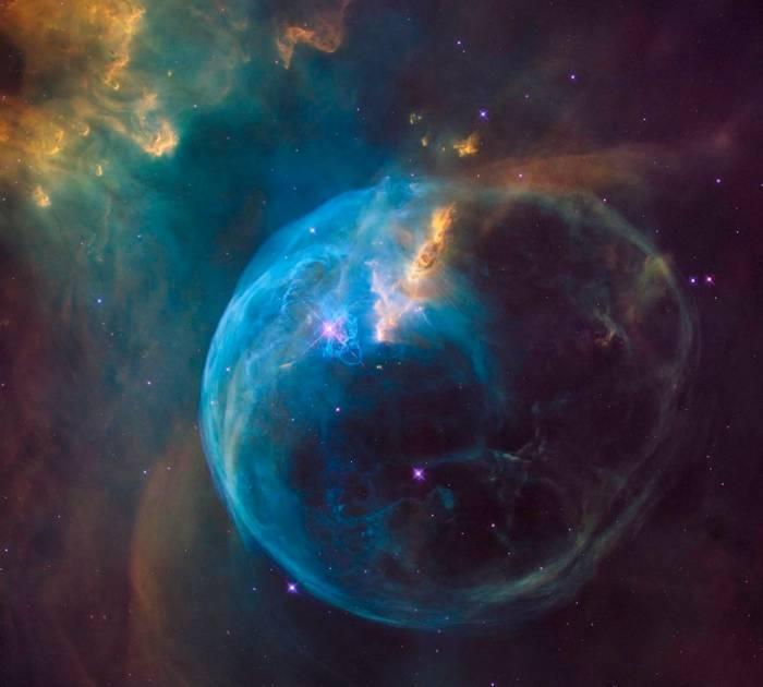 Астрономы опубликовали потрясающий снимок туманности Пузырь
