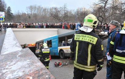 СКР проверяет версию об отказе тормозов у попавшего в ДТП автобуса