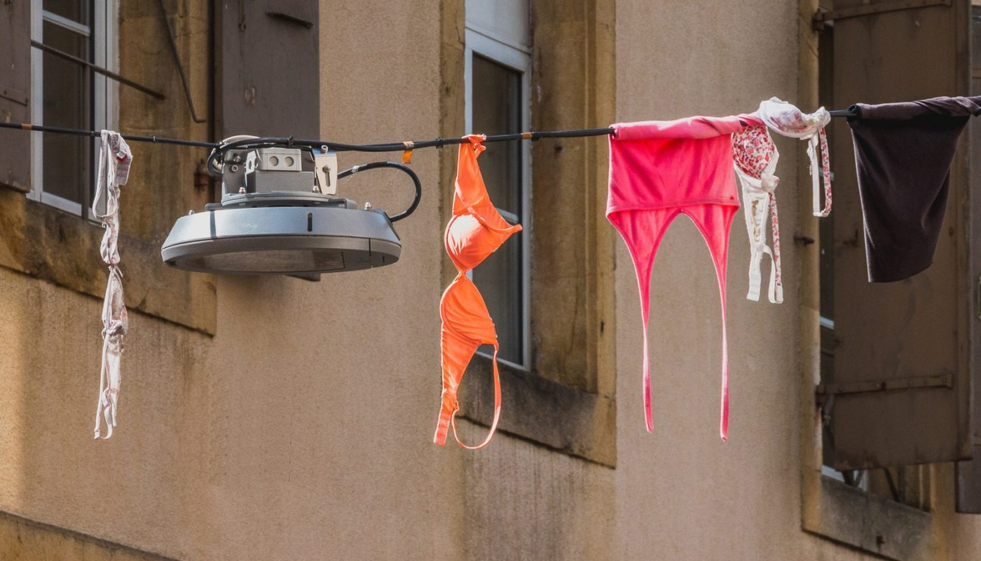 Женское белье, как украшение города в Швейцарии