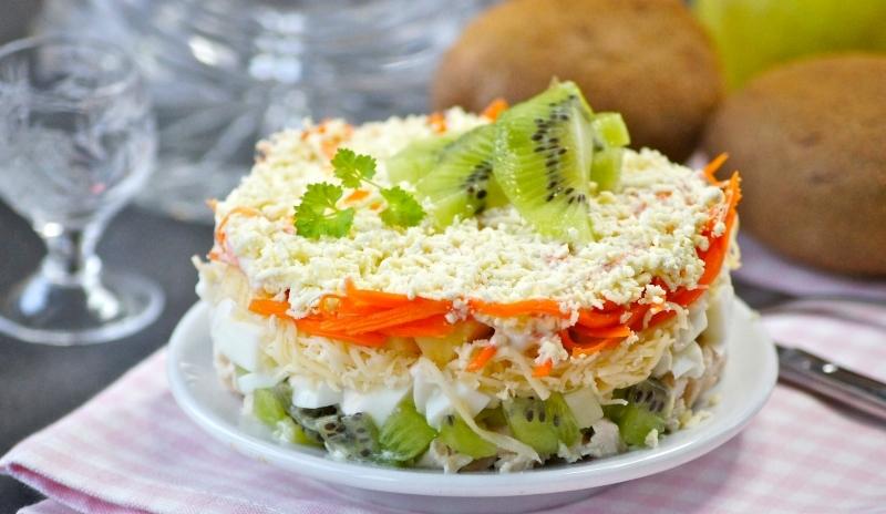 Вкусный салат «Африка» с киви и курицей: отличная идея для праздника