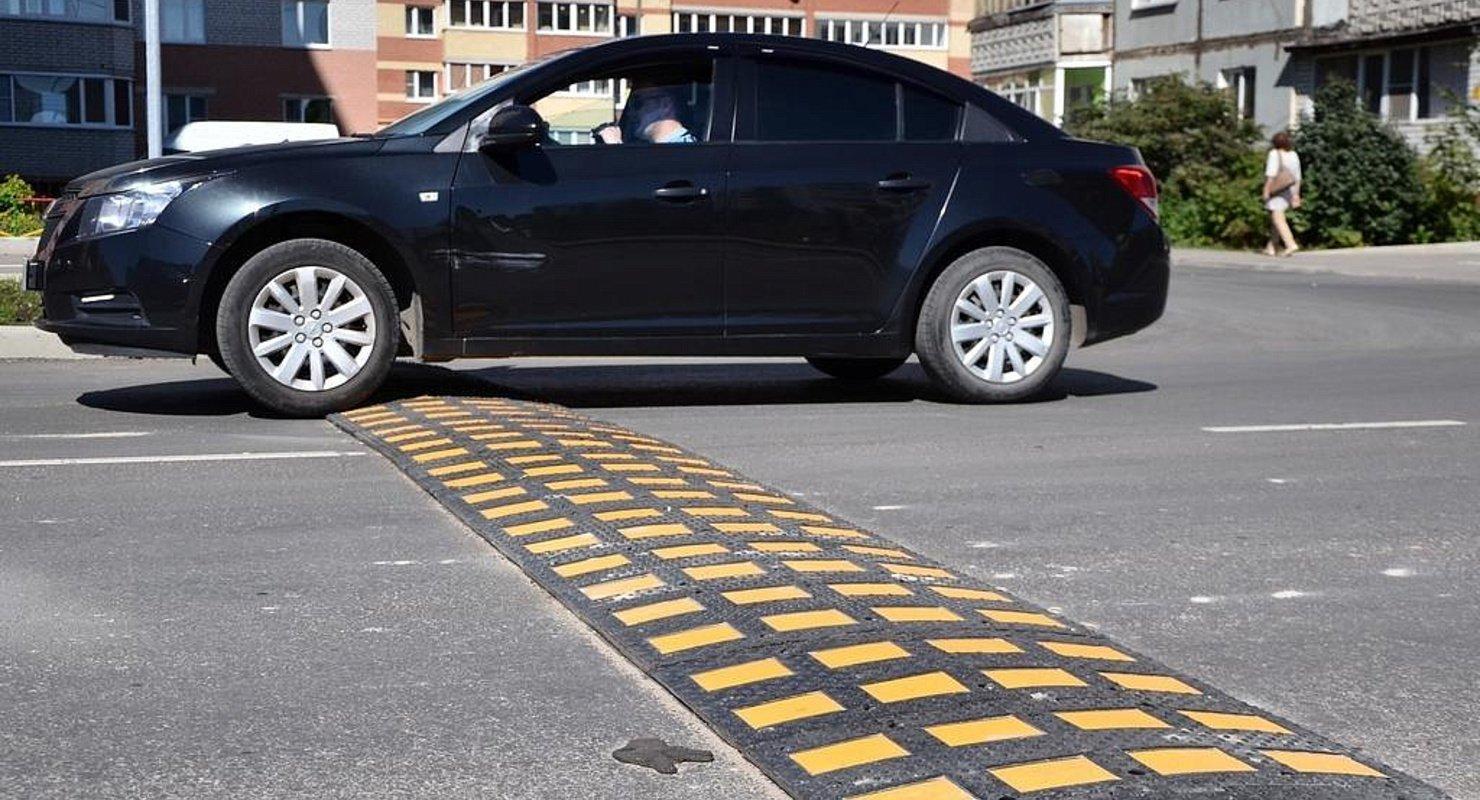 Какие ошибки совершают автомобилисты при проезде искусственной неровности Автомобили