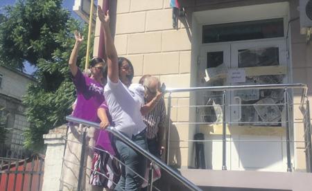 Навальный устал считать деньги